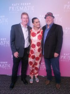 Winner Scott Vaughn (left) with star Katy Perry and Veterans Matter founder Ken Leslie backstage in Cleveland.
