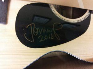 mellencamp-guitar